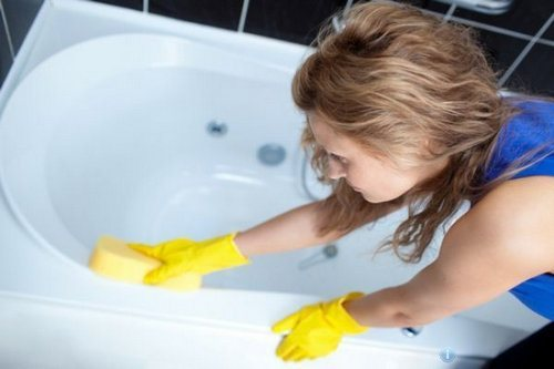 способы чистки ванн из акрила