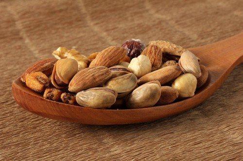 Как хранить грецкие орехи очищенные в домашних условиях: способы и особенности